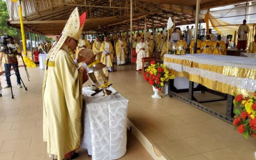 Archbishop-During-the-2020-Cathedraticum_2